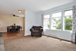 Photo 3: 2965 FLEMING Avenue in Coquitlam: Meadow Brook House for sale : MLS®# R2394574