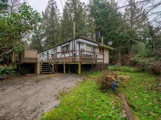 Main Photo: 8143 CEDARWOOD Road in Halfmoon Bay: Halfmn Bay Secret Cv Redroofs Manufactured Home for sale (Sunshine Coast)  : MLS®# R2423680