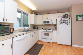 Photo 10: 10045 Cotoneaster Pl in SIDNEY: Si Sidney North-East Single Family Detached for sale (Sidney)  : MLS®# 832937