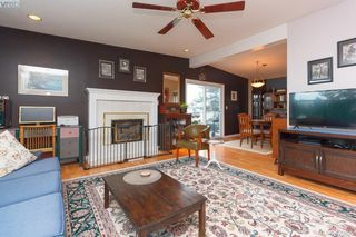 Photo 3: 10045 Cotoneaster Pl in SIDNEY: Si Sidney North-East Single Family Detached for sale (Sidney)  : MLS®# 832937