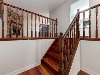Photo 3: 232 MAUNSELL Close NE in Calgary: Mayland Heights Semi Detached for sale : MLS®# C4302894