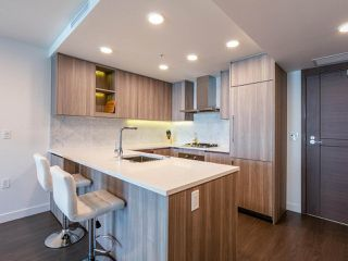 Photo 10: 805 433 SW MARINE Drive in Vancouver: Marpole Condo for sale (Vancouver West)  : MLS®# R2476382
