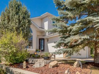 Photo 2: 16 RIVERVIEW Gardens SE in Calgary: Riverbend Detached for sale : MLS®# A1020515