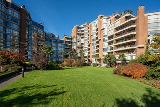 Photo 5: 904 1450 PENNYFARTHING Drive in Vancouver: False Creek Condo for sale (Vancouver West)  : MLS®# R2515102