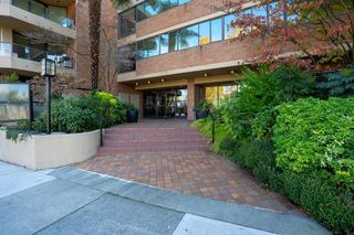 Photo 4: 904 1450 PENNYFARTHING Drive in Vancouver: False Creek Condo for sale (Vancouver West)  : MLS®# R2515102