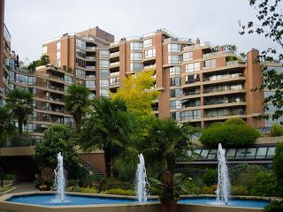 Photo 2: 904 1450 PENNYFARTHING Drive in Vancouver: False Creek Condo for sale (Vancouver West)  : MLS®# R2515102
