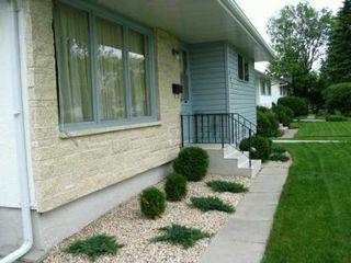 Photo 3: 616 STEWART Street in Winnipeg: Westwood / Crestview Single Family Detached for sale (West Winnipeg)  : MLS®# 2508856