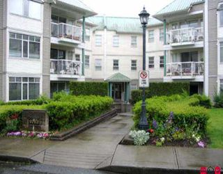 """Photo 1: 104 9763 140TH ST in Surrey: Whalley Condo for sale in """"FRASER GATE"""" (North Surrey)  : MLS®# F2511687"""