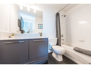 "Photo 13: 2505 400 CAPILANO Road in Port Moody: Port Moody Centre Condo for sale in ""ARIA II"" : MLS®# R2391382"