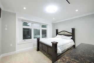 Photo 14: 1012 E 58TH Avenue in Vancouver: South Vancouver House for sale (Vancouver East)  : MLS®# R2393438
