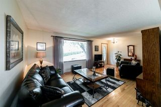 Photo 3: 3008 105 Avenue in Edmonton: Zone 23 House for sale : MLS®# E4169414