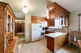 Photo 8: 3008 105 Avenue in Edmonton: Zone 23 House for sale : MLS®# E4169414
