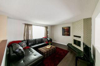 Photo 5: 6215 152 Avenue in Edmonton: Zone 02 House for sale : MLS®# E4172076