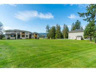 Photo 2: 8953 EAGLE Road in Mission: Dewdney Deroche House for sale : MLS®# R2433525
