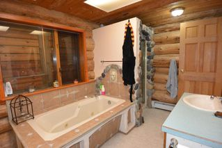 "Photo 8: 21806 KITSEGUECLA LOOP Road in Smithers: Smithers - Rural House for sale in ""KITSEGUECLA"" (Smithers And Area (Zone 54))  : MLS®# R2440666"