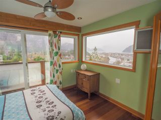 "Photo 8: 1005 PANORAMA Place in Squamish: Hospital Hill House for sale in ""Hospital Hill"" : MLS®# R2442448"