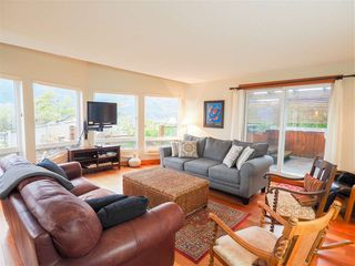 "Photo 5: 1005 PANORAMA Place in Squamish: Hospital Hill House for sale in ""Hospital Hill"" : MLS®# R2442448"