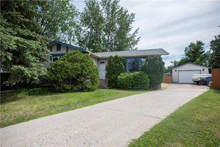 Photo 2: 22 Brendalee Bay in Winnipeg: St Charles Residential for sale (5G)  : MLS®# 202013623