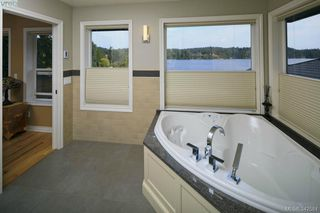 Photo 9: 4919 Prospect Lake Rd in Victoria: SW Prospect Lake House for sale (Saanich West)  : MLS®# 342584