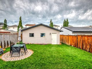 Photo 15: 15758 EVERSTONE Road SW in Calgary: Evergreen Detached for sale : MLS®# C4303466