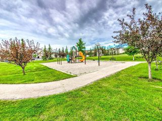 Photo 18: 15758 EVERSTONE Road SW in Calgary: Evergreen Detached for sale : MLS®# C4303466
