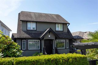 Photo 2: 3912 PARKER Street in Burnaby: Willingdon Heights House for sale (Burnaby North)  : MLS®# R2477893