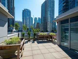"""Photo 12: TH17 1233 W CORDOVA Street in Vancouver: Coal Harbour Townhouse for sale in """"CARINA"""" (Vancouver West)  : MLS®# R2491455"""