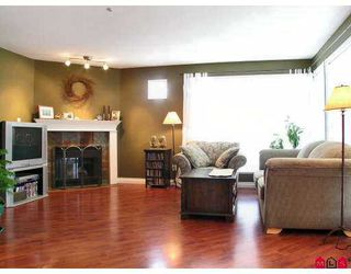 "Photo 2: 301 2585 WARE Street in Abbotsford: Central Abbotsford Condo for sale in ""The Maples"" : MLS®# F2708542"