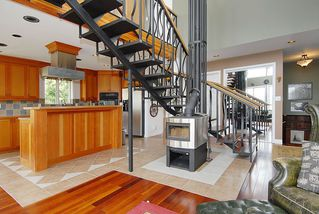 Photo 4: 7441 Mark in Victoria: CS Willis Point House for sale (Central Saanich)