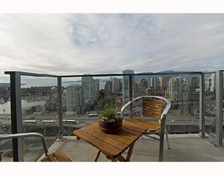 "Photo 8: 3001 583 BEACH Crescent in Vancouver: False Creek North Condo for sale in ""TWO PARKWEST"" (Vancouver West)  : MLS®# V665613"