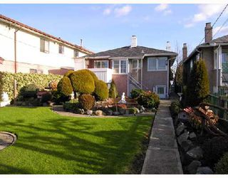 Photo 10: 2753 NANAIMO Street in Vancouver: Grandview VE House for sale (Vancouver East)  : MLS®# V683682