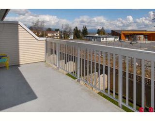 Photo 10: 25 8778 159TH Street in Surrey: Fleetwood Tynehead Townhouse for sale : MLS®# F2810342