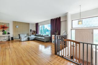 Photo 2: 1720 CHARLAND Avenue in Coquitlam: Central Coquitlam House for sale : MLS®# R2410891