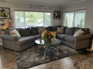 """Photo 7: 7 2315 198 Street in Langley: Brookswood Langley Manufactured Home for sale in """"Dear Creek Estates"""" : MLS®# R2414714"""