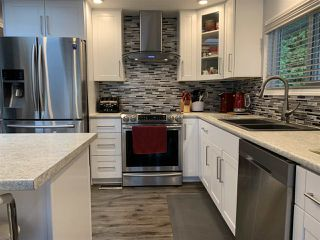 """Photo 8: 7 2315 198 Street in Langley: Brookswood Langley Manufactured Home for sale in """"Dear Creek Estates"""" : MLS®# R2414714"""
