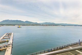 "Photo 4: 503 277 THURLOW Street in Vancouver: Coal Harbour Condo for sale in ""THREE HARBOUR GREEN"" (Vancouver West)  : MLS®# R2421456"