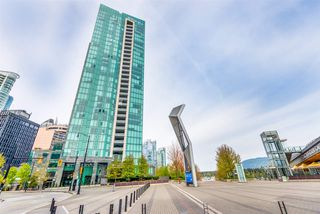 "Main Photo: 503 277 THURLOW Street in Vancouver: Coal Harbour Condo for sale in ""THREE HARBOUR GREEN"" (Vancouver West)  : MLS®# R2421456"