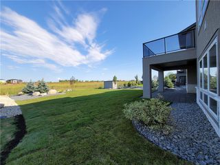 Photo 35: 7 Hill Grove Point in Winnipeg: Bridgwater Forest Residential for sale (1R)  : MLS®# 202015737