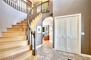 Photo 3: 317 EDGEVIEW Place NW in Calgary: Edgemont Detached for sale : MLS®# A1017942