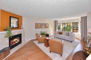 Photo 2: 2122 Granite St in : OB South Oak Bay Row/Townhouse for sale (Oak Bay)  : MLS®# 855155