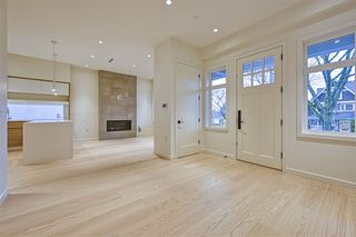 Photo 3: 1860 E 7TH Avenue in Vancouver: Grandview Woodland 1/2 Duplex for sale (Vancouver East)  : MLS®# R2528547