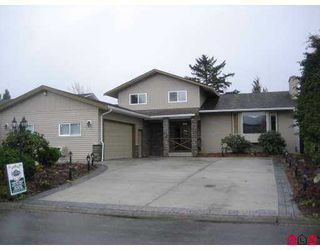 "Main Photo: 45960 LAKE Drive in Sardis: Sardis East Vedder Rd House for sale in ""SARDIS PARK"" : MLS®# H2701093"
