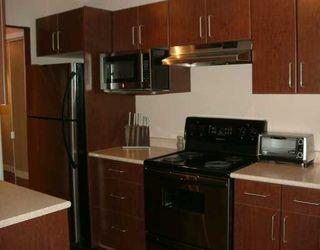 Photo 3: 111-2330 MAPLE Street in Vancouver West: Kitsilano Condo for sale