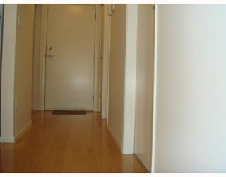 "Photo 6: 405-124 W 3RD ST in North Vancouver: Lower Lonsdale Condo for sale in ""THE VOGUE"" : MLS®# V647120"