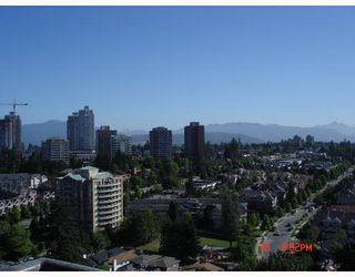 "Photo 9: 2105 7088 18TH Avenue in Burnaby: Edmonds BE Condo for sale in ""PARK 360"" (Burnaby East)  : MLS®# V659596"
