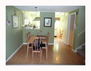 Photo 3: 1035 CECILE Drive in Port_Moody: College Park PM Townhouse for sale (Port Moody)  : MLS®# V666433