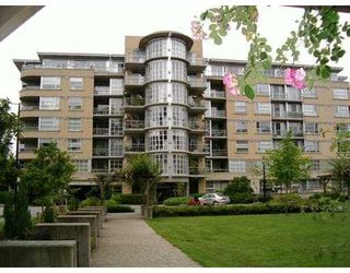 "Main Photo: 201 2655 CRANBERRY Drive in Vancouver: Kitsilano Condo for sale in ""NEW YORKER"" (Vancouver West)  : MLS®# V690804"