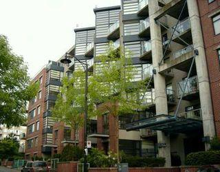 """Photo 1: 615 2228 MARSTRAND AV in Vancouver: Kitsilano Condo for sale in """"THE SOLO"""" (Vancouver West)  : MLS®# V605983"""