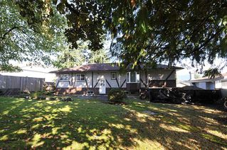 Photo 2: 1530 MILFORD Avenue in Coquitlam: Central Coquitlam House for sale : MLS®# R2409503