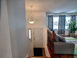 Photo 10: 3203 35 Street in Edmonton: Zone 29 House for sale : MLS®# E4184093